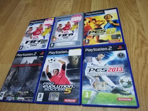 Vand jocuri PS2 si PS3 si consola cu maneta de PS2.