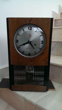 Pendula (ceas de perete) mecanica