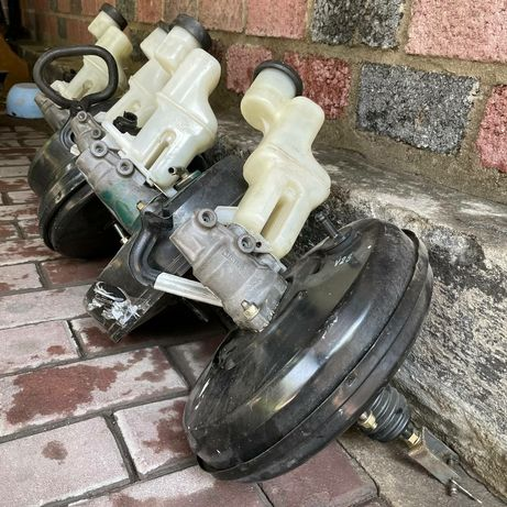 Вакуум усилитель тормозов Хайландер Toyota Highlander