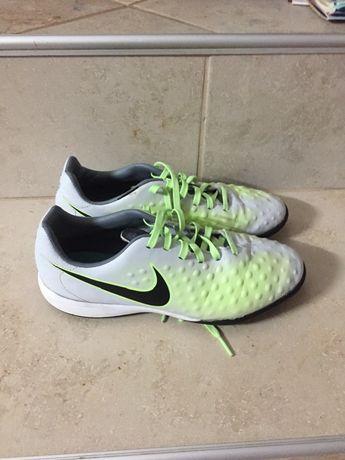 Стоножки Nike