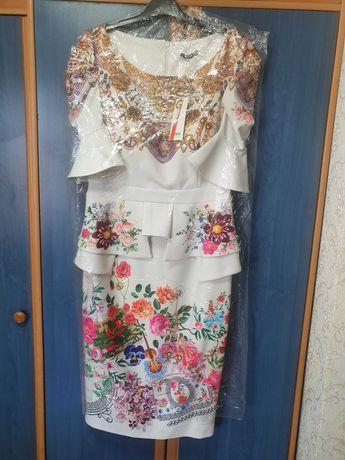 Шикарные новые платья.