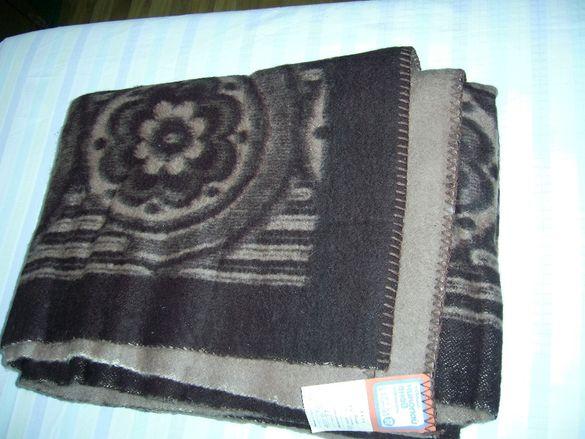 Продавам ново вълнено одеяло