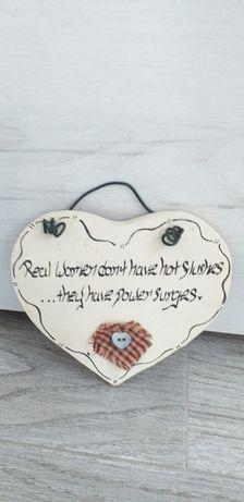 Tăblița in forma de inima din lemn