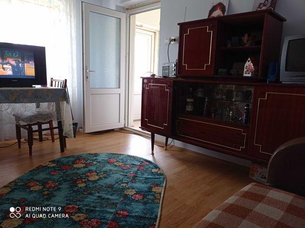 Casa de vânzare +1 h pământ în Bacău.