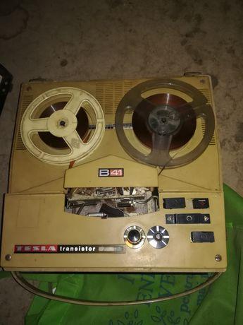 Magnetofon tesla vechi