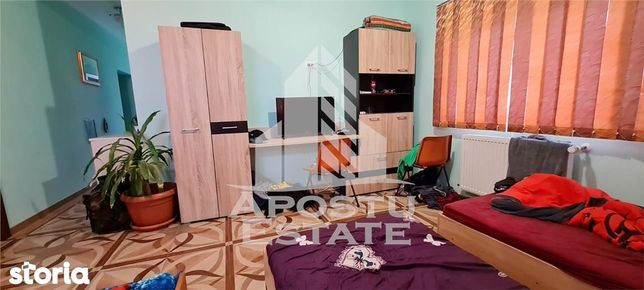 Apartament la casa cu 3 camere in Sanandrei