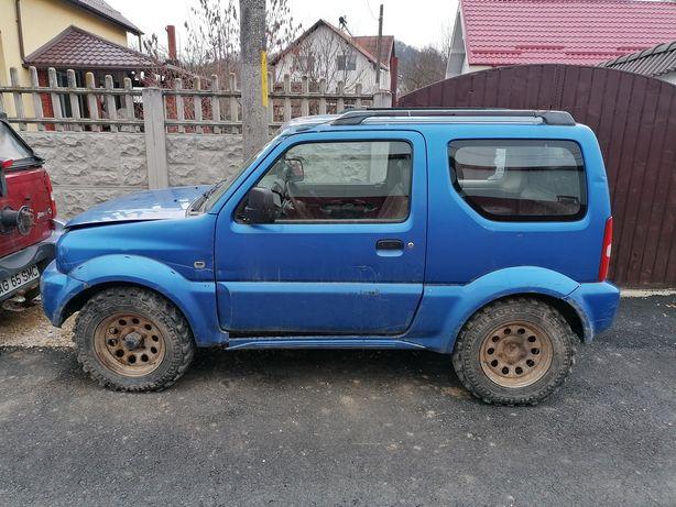 Dezmembrez Suzuki jimny