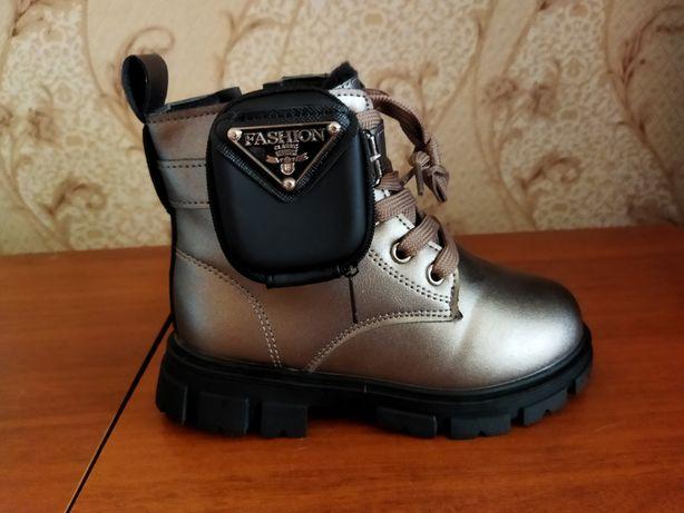 Ботинки новые для девочек