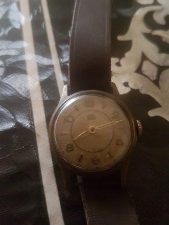 Vind s-au schimb ceas vechi UMF
