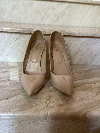 Дамски обувки няколко модела Ниски цени