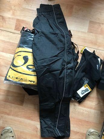 Supra-pantalon impermeabil, cu deschidere laterala totala
