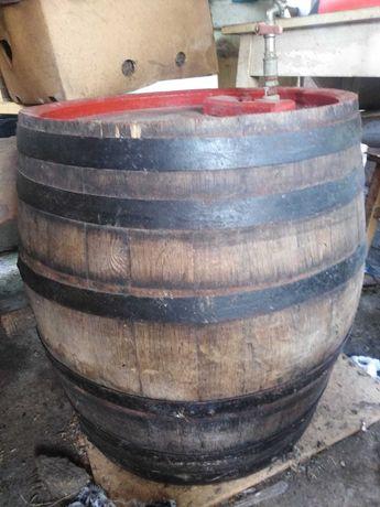 Butoaie de stejar pentru vin