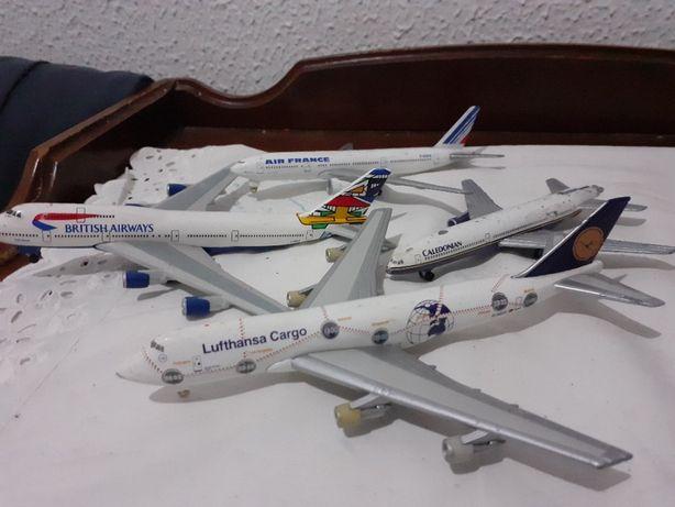 set de 4 avioane vechi de plumb de colectie