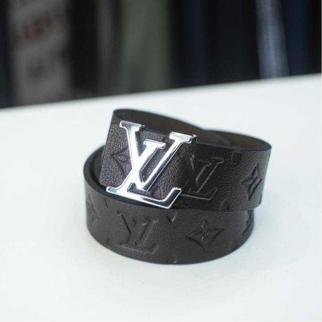 Колани Dsqured2 Естествена кожа Boss Louis Vuitton с Капси