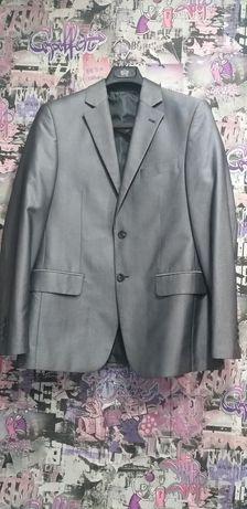 Продам костюм классика 46/175 размер