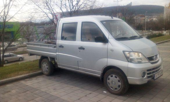 Продавам автомобил Suzuki Freedom.