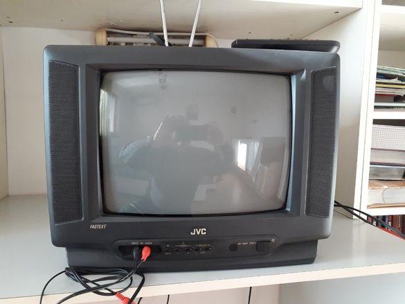 ТЕЛЕВИЗОР цветен JVC FASTEXT-к-т с жакове,стайна антена и дистанционно