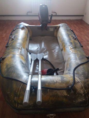 Лодка Quicksilver