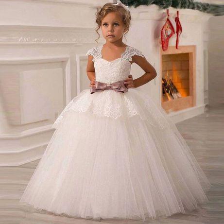Rochita alba si roz cu broderie pentru varsta de 6,7 si 8 ani