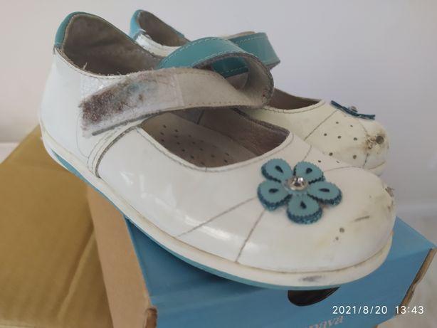 Срочно продам туфли детские 24 размер, брали в Юничел, продам за 1500