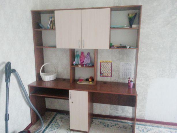 Продам стол для компьютера и учебы