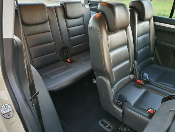 Vând interior 7 scaune piele Vw Touran 2013