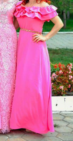 Красивое платье 5000 тг