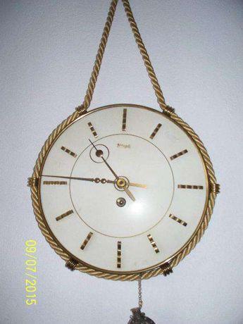 Ceas antic cu cheita