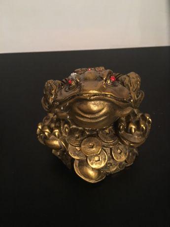 Трикрака жаба Фън Шуй