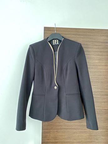 Стилно дамско сако блейзър в черно и бежово