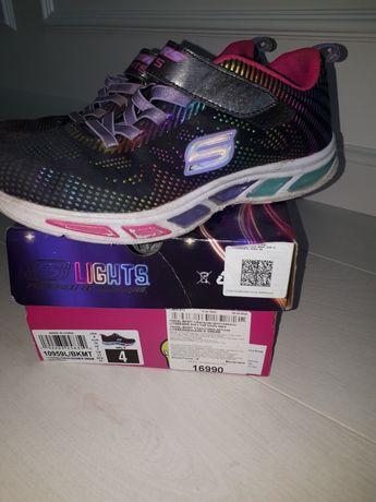 Светящиеся кроссовки Skechers для девочки 36 размер