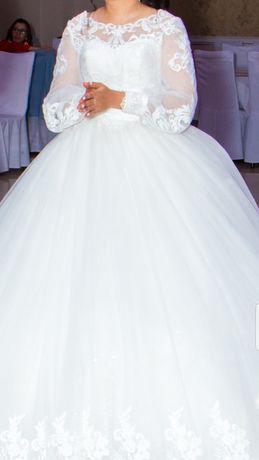 Свадебное платье совсем новое