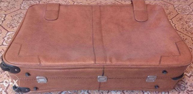 Valiza geamantan piele cu roti