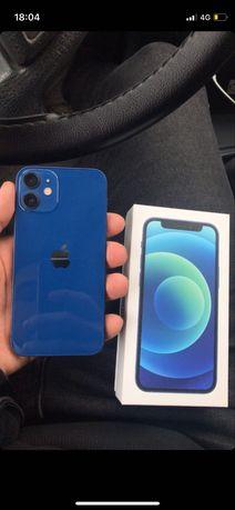 Айфон 12 мини срочно телефон почти новый