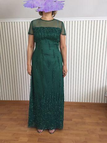Продается  вечернее платье. Размер 46-48, рост 160+каблуки.