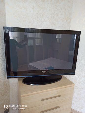 Телевизор Samsung 107см