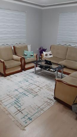 Ретро холова гарнитура килим и стъклена маса