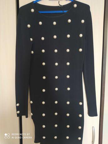 Черна спортно елегантна рокля / туника с перли