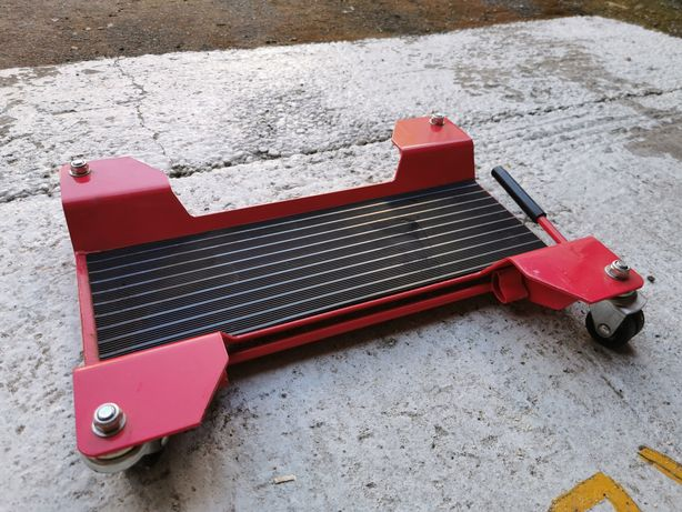 Platforma suport pentru motocicleta cu role