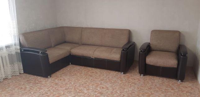 Мягкий уголок/диван и кресло