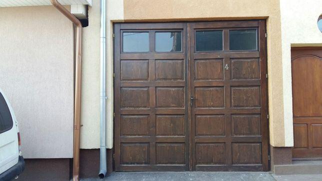 Poartă garaj din lemn de brad