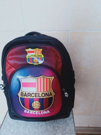 Продам 2 школьных рюкзака мальчику и девочке