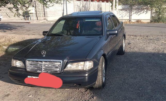 Продам машину мерседес 220 с