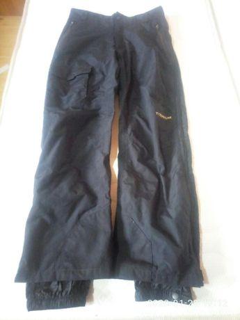Продавам висок клас спортен туристически панталон с мембрана Columbia