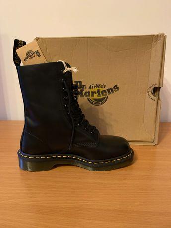 Продам новые трендовые ботинки DR Martens в оригинале