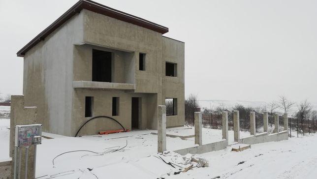 Casa de vânzare Letcani.