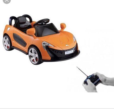 Mașinuța cu telecomanda