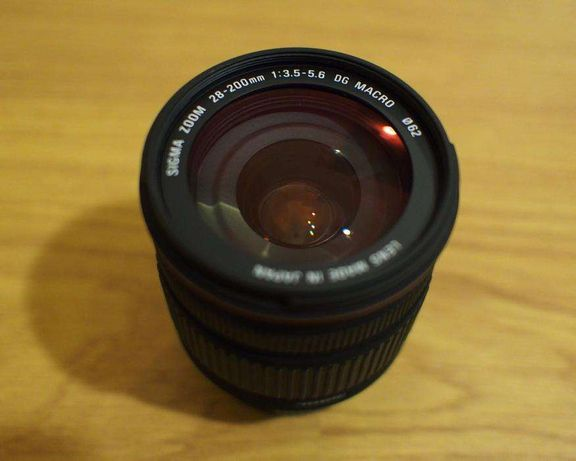 Sigma 28-200mm F3.5-5.6 DG Macro