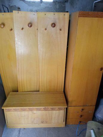 Портманто - гардероб със закачалки