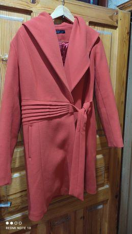 Продам красивое стильное пальто